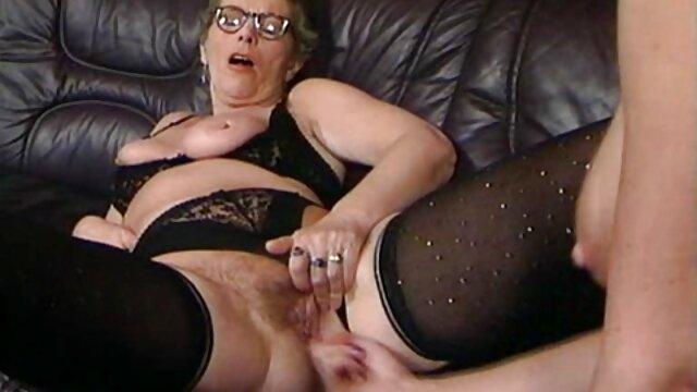 XXX nessuna registrazione  Una porno gratis massaggi Porno star matura ha invitato un subordinato a una brutale scopata con lui.