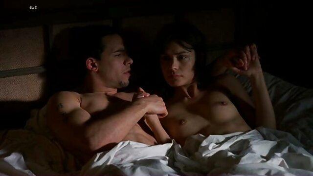 XXX nessuna registrazione  Il cazzo video massaggi erotici amatoriali ottiene il gioco di gambe degli europei Maturi.