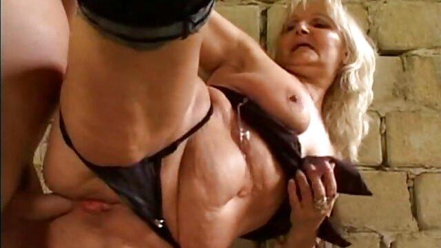 XXX nessuna registrazione  Spudorato l. Masturbazione con la mano massaggi rilassanti porno sul grasso Latina porno Star in cam