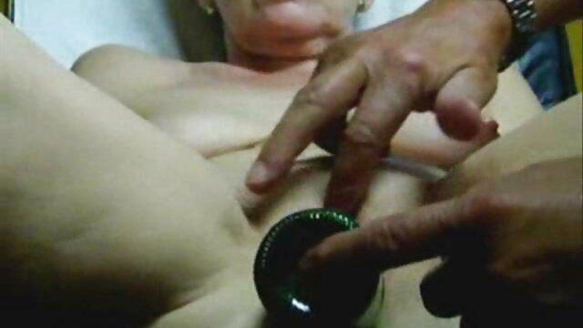 XXX nessuna registrazione  Super-cattivo giovane ufficio facilmente seduce boss film massaggi porno gratis in folle ufficio cazzo