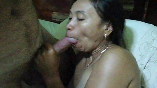 XXX nessuna registrazione  Video messaggi Pornostar a casa con un cane a massaggi speciali porno sua volta passa attraverso la fotocamera