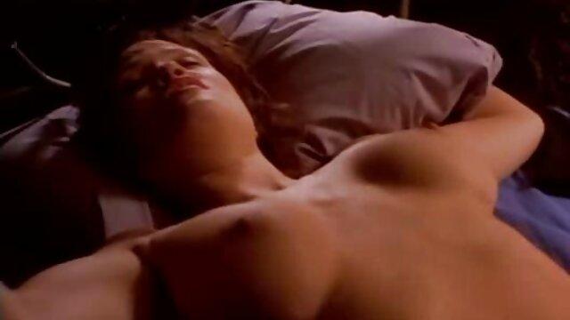 XXX nessuna registrazione  Baby Eva e Ryan sanno come accontentarsi l'un massaggi erotici film l'altro.