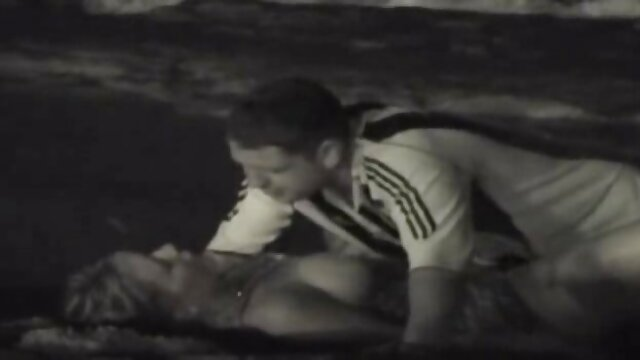 XXX nessuna registrazione  Latina maturo scivolo legno amante ebano su lei video sexi massaggi letto a Fanculo