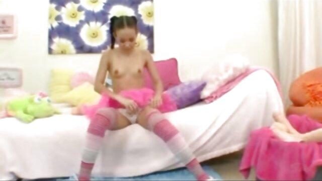 XXX nessuna registrazione  La giovane studentessa porno massaggio erotico giapponese succhia il cazzo del suo ragazzo e la picchia con le sue grandi tette.