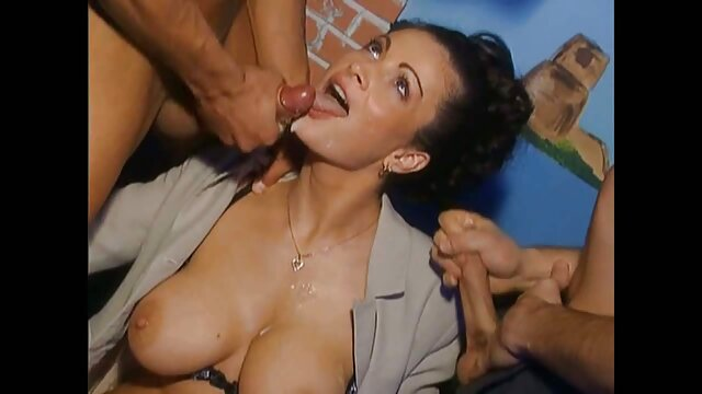 XXX nessuna registrazione  Lussuoso massaggi erotici video ebano maturo con tette enormi è affamato.