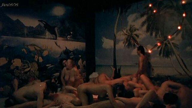 XXX nessuna registrazione  L'attrice porno e lei hanno una figa pelosa gemendo da gangbang massaggi porno free caldo.