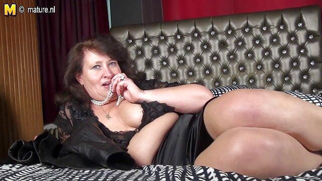 XXX nessuna registrazione  Una ragazza di massaggi erotici free strada aggancia un ragazzo in pista