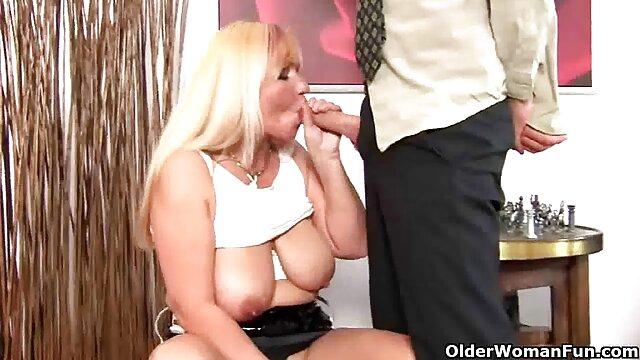 XXX nessuna registrazione  Figa scopata una cagna matura come un video massaggio erotico grande piacere dai giocattoli del sesso