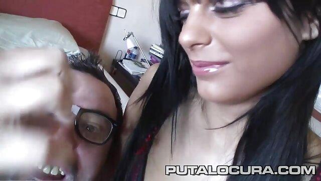 XXX nessuna registrazione  Flirtare quasi come sovraesposizione con il pene in video erotici massaggi bocca.
