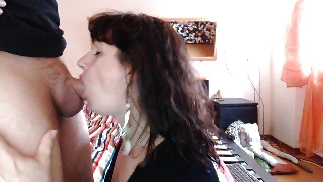 XXX nessuna registrazione  Un video massaggi cinesi gratis simpatico russo è scopata nel culo a prima vista.
