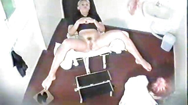 XXX nessuna registrazione  Affettuoso feticismo video porno massaggi gratis del piede in azione lesbica