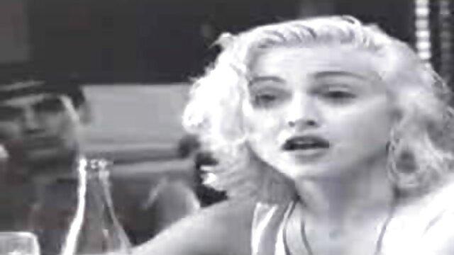 XXX nessuna registrazione  Spettacolare video gratis di massaggi erotici bruna sborrata, close up Interrazziale Cazzo
