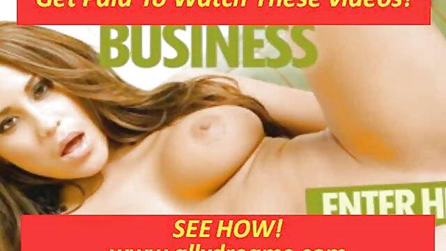 XXX nessuna registrazione  Due giovani massaggio hot porno lesbiche ordinarie si divertono un po ' insieme.