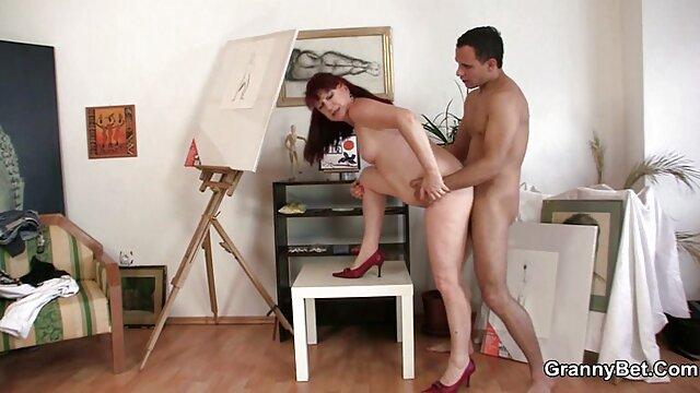 XXX nessuna registrazione  La bruna imparato a vivere senza un dildo video sexy massaggio