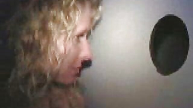 XXX nessuna registrazione  Rosso video di massaggi erotici gratis insaziabile Lingerie nera