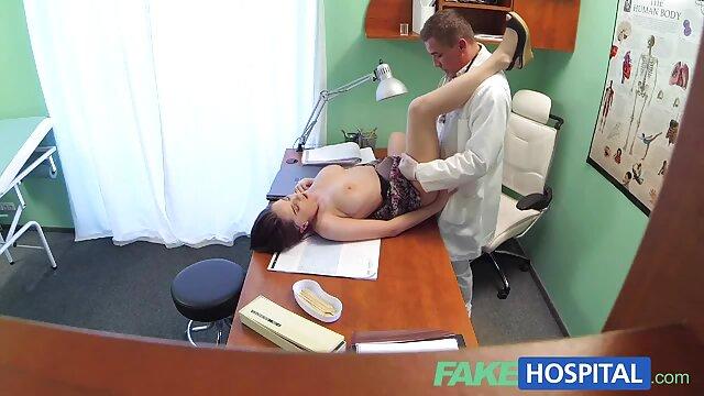 XXX nessuna registrazione  Giovane asiatica ha l'orgasmo da video massaggi erotici italiani un dildo diverso.