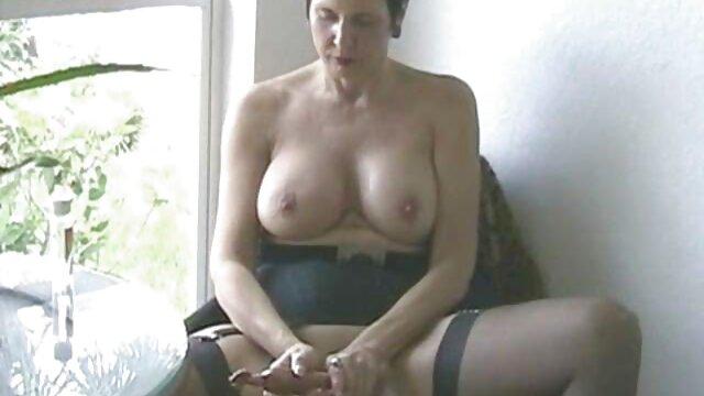 XXX nessuna registrazione  Cornea slut maturo è pronto a scopare una persona stanca di massaggi porno donne nuovo.