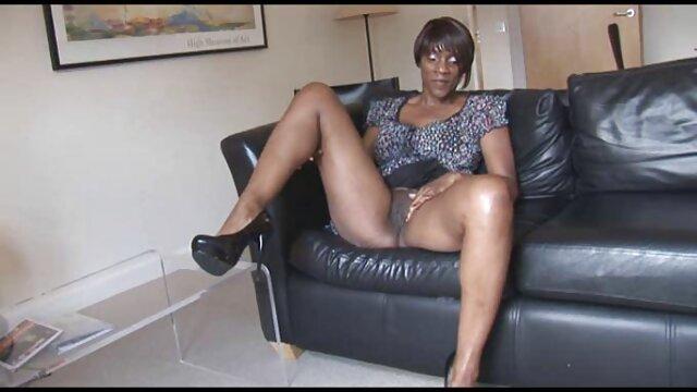 XXX nessuna registrazione  Bionda matura con molto bella lingerie, sorella, il suo, figa, massaggi erotici video