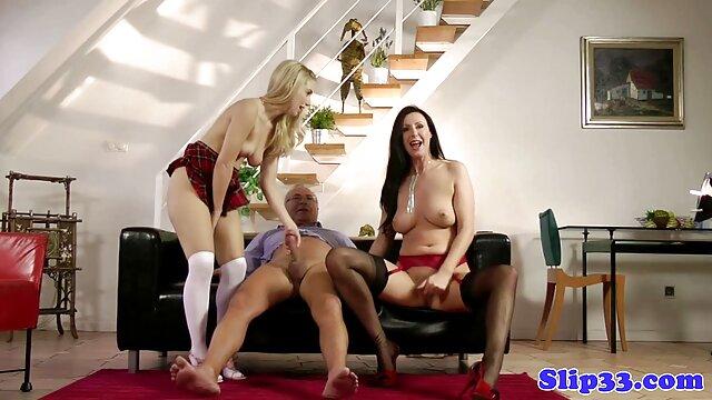 XXX nessuna registrazione  Un enorme dildo nero per una giovane video porno massaggi gratis ragazza.