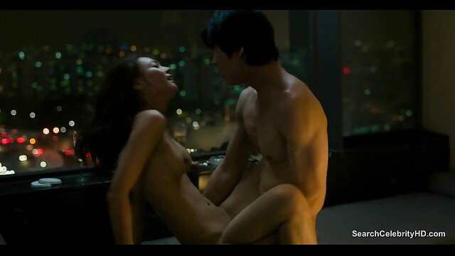 XXX nessuna registrazione  Il modello porno è costretto a soddisfare se stessa con il cazzo di video porno massaggio erotico un ragazzo.