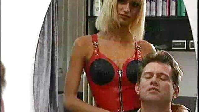 XXX nessuna registrazione  Giovane slut accetta di scopare un uomo a film massaggi porno gratis letto