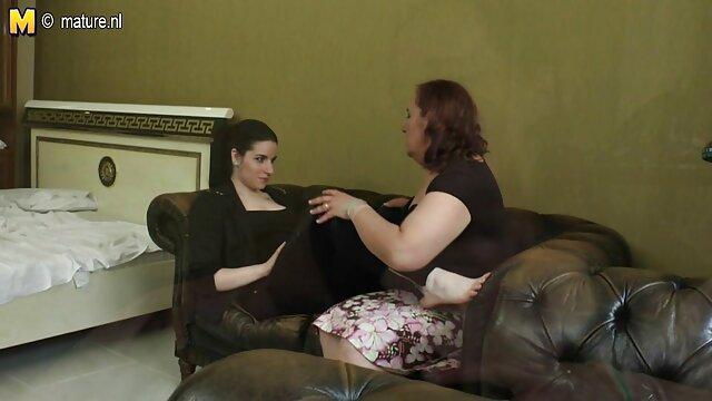 XXX nessuna registrazione  Un fiducioso sorella massaggio intimo video artificiale una matura casalinga figa a letto