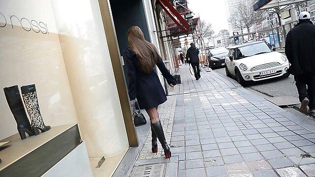 XXX nessuna registrazione  Sexy ragazza matura in calze abilmente gestire due video massaggio sessuale fori