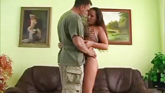 XXX nessuna registrazione  Skinny bionda con video massaggi sex tette piccole infila la bocca e per radersi.