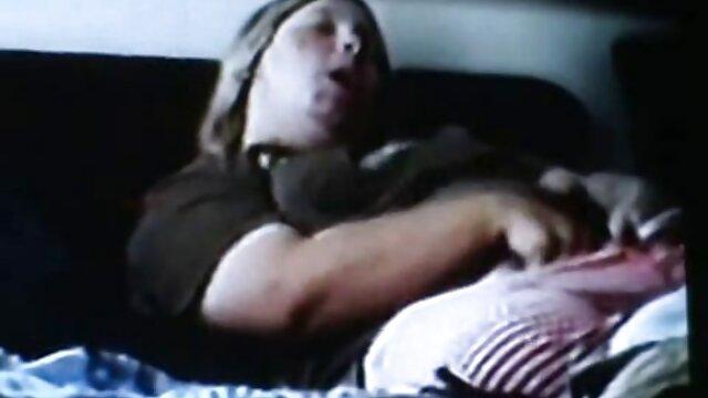 XXX nessuna registrazione  Una sorella maschio adulto, sua massaggi video porno gratis figlia A L. in una telecamera nascosta.