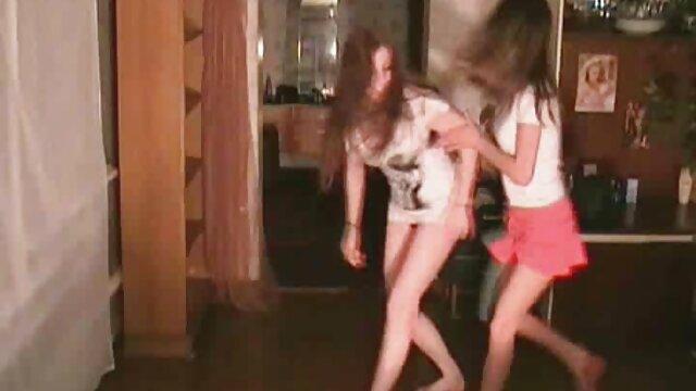 XXX nessuna registrazione  I tre massaggi orientali porno cani che riesce a malapena a raggiungere un magnifico orgasmo insieme