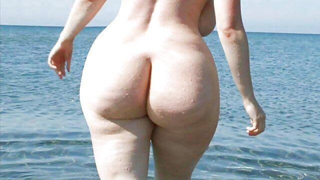 XXX nessuna registrazione  Giovane figa massaggi erotici video gratis essere cavalcato su un dildo legato alla sedia