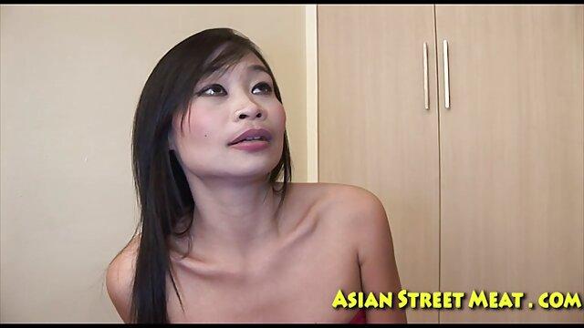 XXX nessuna registrazione  Slut bionda, matura, massaggi orientali porno pronta a provare il cazzo in diverse posizioni.