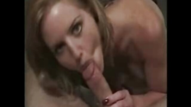 XXX nessuna registrazione  Belle giovani lesbiche, a turno, leccare fighe sul letto e hanno un nuovo video gratis massaggi porno finale.
