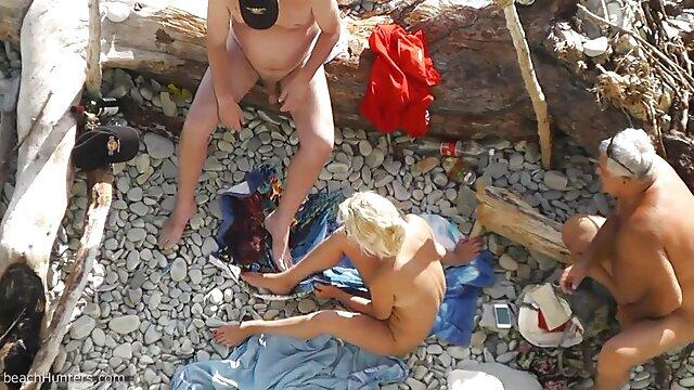 XXX nessuna registrazione  La ragazza diventa una troia insaziabile in un buco del massaggi orientali video porno culo caldo.