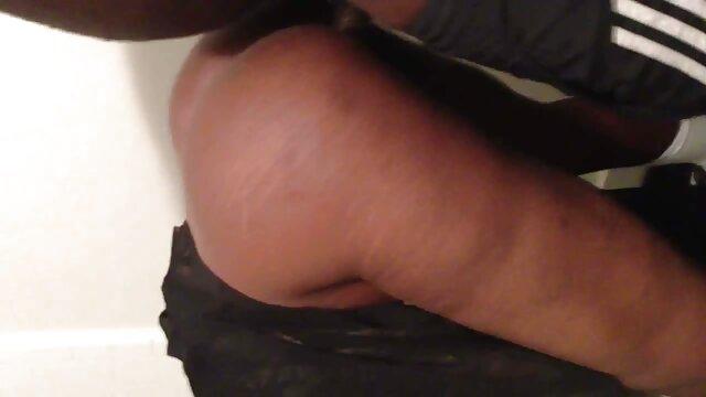 XXX nessuna registrazione  Giovane xxx massaggio cinese lesbiche scommessa su micio su loro bellissimo sesso