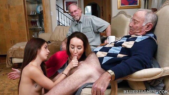 XXX nessuna registrazione  Asiatico porno stella accepts video gratis massaggi erotici ragazzi in sesso