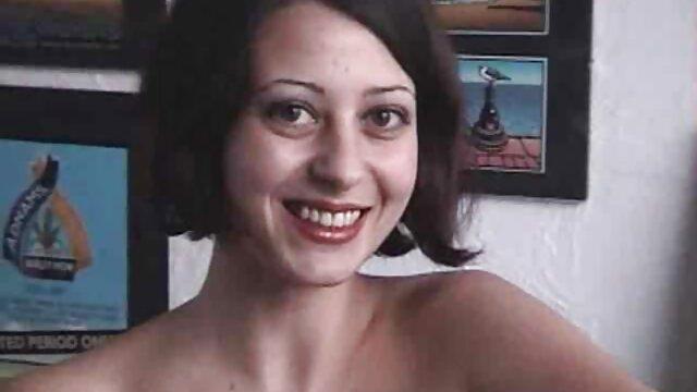 XXX nessuna registrazione  Un abile modello porno maturo succhia cazzi e film porno gratis massaggi salta su di lei.