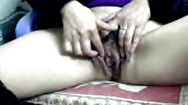 XXX nessuna registrazione  Cattivo massaggiatrice seduce un giovane film massaggi porno cliente in depravazione sessuale