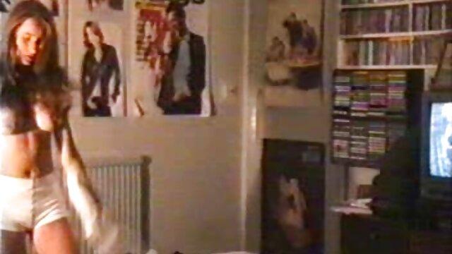 XXX nessuna registrazione  Due pornostar per adulti hanno una pazza scopata con una video massaggi sexy testa da uomo.