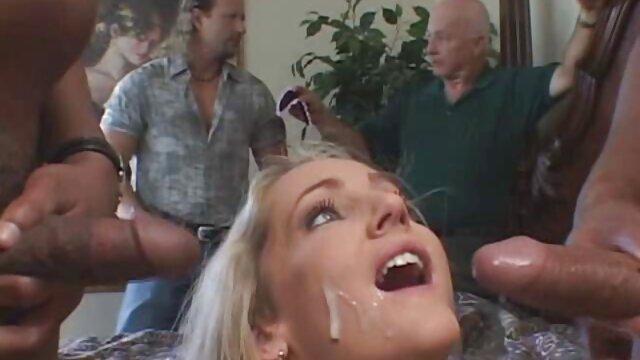 XXX nessuna registrazione  La video massaggi porno orientali donna matura invita la sua amica a scherzare con suo marito.