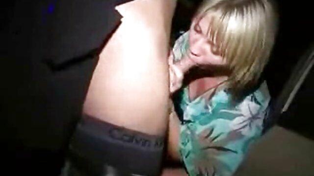 XXX nessuna registrazione  Una giovane ragazza Asiatica condiscende al suo fidanzato e apre il culo perché lei scherza con video porno gratis di massaggi lui