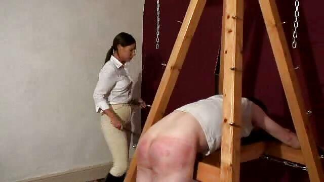 XXX nessuna registrazione  Capelli rossi, attiva sorella di mostri un uomo massaggi porno video gratis