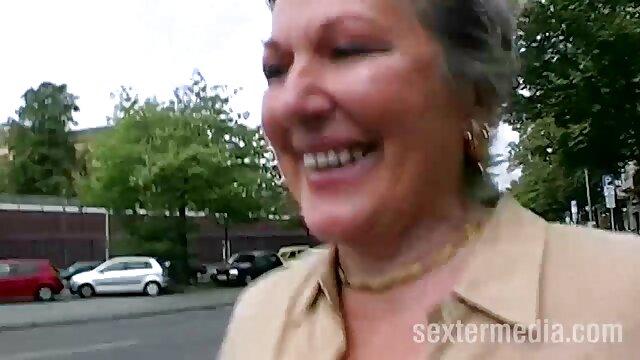 XXX nessuna registrazione  La pornostar per adulti saltò nel fallo e youtube massaggi porno fu scopata.