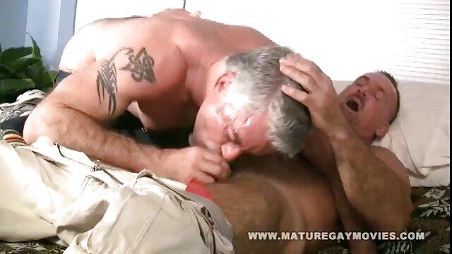 XXX nessuna registrazione  Bella ragazza russa video massaggi sessuali con tette naturali sesso con un uomo sulla macchina fotografica