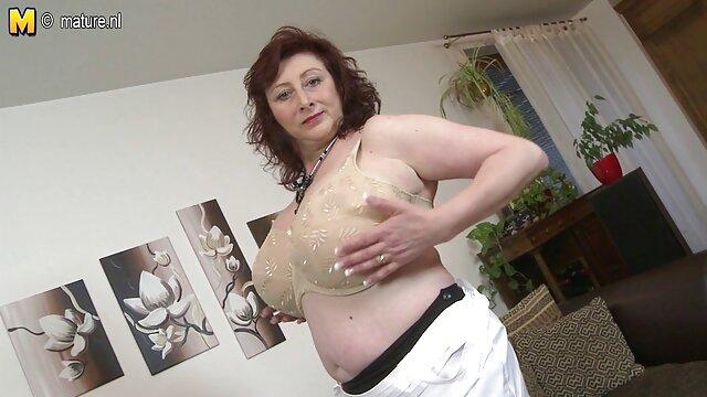 XXX nessuna registrazione  Procace bellezza Lisa prende con figa bene e massaggi erotici video gratis con dignità