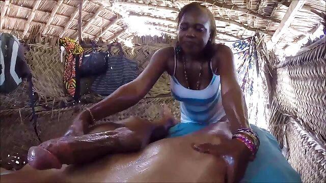 XXX nessuna registrazione  Donna matura ottiene la sua massaggi italiani hard figa e seduce il marito