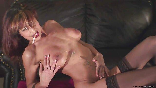 XXX nessuna registrazione  Giovane e video massaggiatrice italiana dolce pornostar ama una buona scopata
