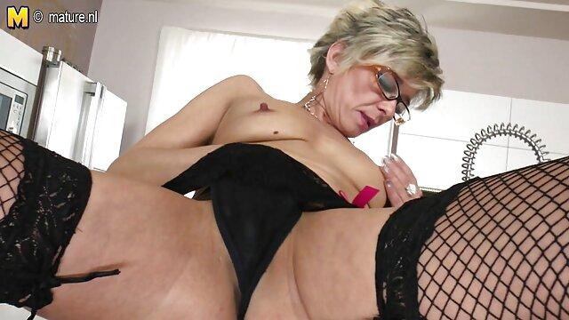 XXX nessuna registrazione  Un paio di giovani ragazze, pissing su ogni altro, avendo video sesso centro massaggi lesbiche divertimento.
