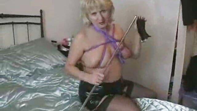 XXX nessuna registrazione  Ragazza pronta a masturbarsi figlio stanco e aiutarlo per film porno massaggi cinesi favore