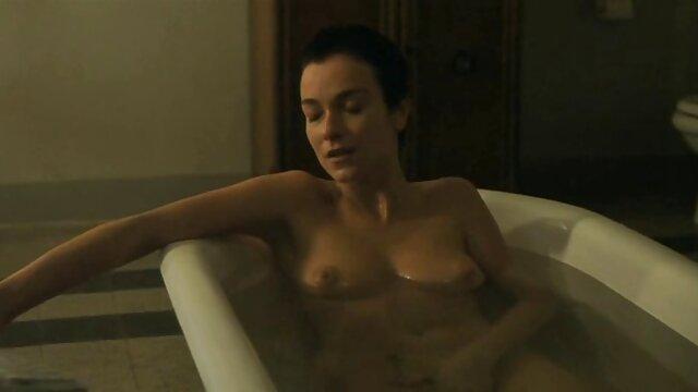 XXX nessuna registrazione  La bionda è venuta al casting di video massaggi erotici orientali una striscia dove è stata scopata duramente da un grosso cazzo nella sua L.